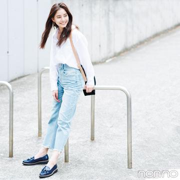新木優子はシャツ&デニムを足元で差のつくコーデに!【毎日コーデ】