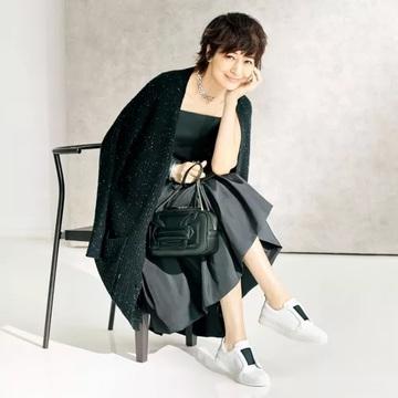 【エクラプレミアム10月号カタログ】大人の女性に提案したい「素敵なバッグと靴」をはじめ、大人気スタイリストコラボなど、秋の立ち上がりに欲しいアイテムが目白押し!