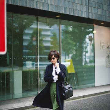 4. お買い物でいっぱい歩きまわる日は、ストレスなく今どきの空気感をまとって