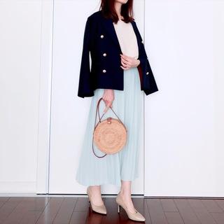 UNIQLOプリーツスカートで春爛漫【tomomiyuの毎日コーデ】