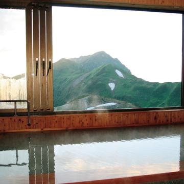 山で思いっきり汗をかいたら、温泉ですっきり、リフレッシュ!―中島 彩さん( 美容ライター)
