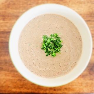 デトックス効果抜群のマッシュルームとごぼうの豆乳ポタージュスープ