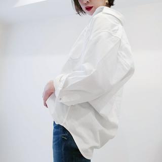 UNIQLOのデニムオーバーシャツで40代のエフォートレスコーデ
