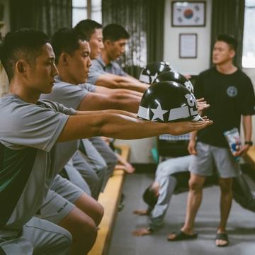 チョン・ヘインが骨太な演技で魅せる!『D.P.−脱走兵追跡官−』【見ればキレイになる⁉韓流ドラマナビvol.16 前半】