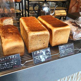 1日の始まりを幸せに。乃木坂にある『Viking Bakery F』でほうじ茶のあんバターサンドイッチを堪能!