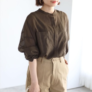 秋色シアーシャツでマニッシュコーデ【tomomiyuコーデ】