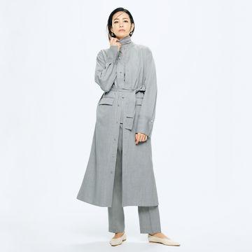 スタイリスト村山佳世子さんが別注「POSTELEGANT」で作るグレーワントーンスタイル。秋の始まりに最適なカラー