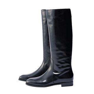 冬コーデの鮮度を上げる「黒系」ロングブーツカタログ