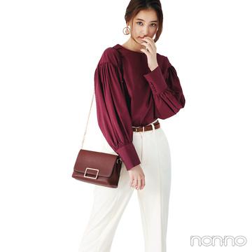 新木優子は裾スリットパンツで今年ならではのいい女スタイル【毎日コーデ】