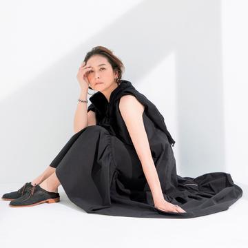 大人の女性の「揺れるミモレワンピース」 photo gallery