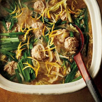 家族みんなで食べたい「長いも入り鶏団子鍋」&「プルコギ風豚すき焼き」【飛田和緒さんのおすすめの幸せ鍋】