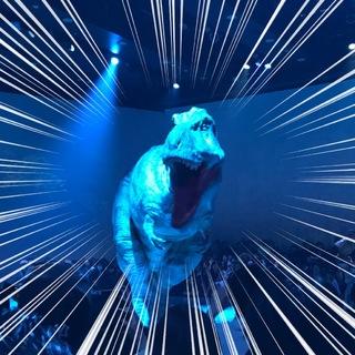 渋谷の中心でティラノサウルスに襲われる