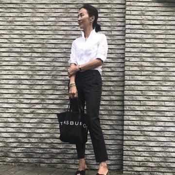 好みの配色♡ブラック&ホワイトの大人のBIGロゴトート!