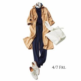 シャツワンピをトレンチコート感覚で羽織ってスポーティに着こなして