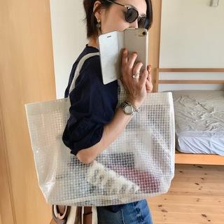 サブバッグはシンプルワン・ツーにぴったりなスポカジ、PVCバッグ♡