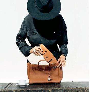 【2021秋冬最新バッグ】永遠の憧れ「エルメス」のバーキンがポーチもついた3WAYに