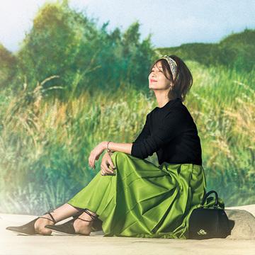 新しい季節へ!富岡佳子が着る「春のハッピーグリーン」 6選
