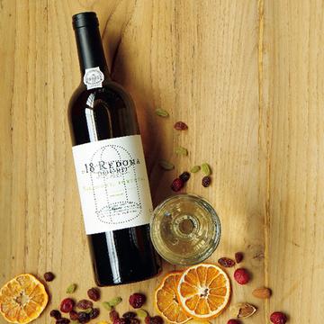 後味にある甘苦いニュアンスも心に残る「ニーポート レドマ ホワイト」【飲むんだったら、イケてるワイン】
