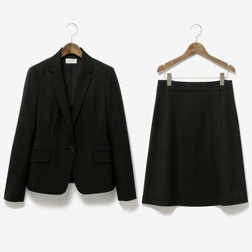 就活も入社後も! 働く女性から支持率が高い『PLST(プラステ)』のスーツをプレゼント!