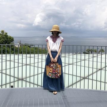 刺繍トップスで、横須賀美術館「糸の世界」へ♩