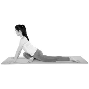 股関節のゆがみを改善しバランスを整える「片足スフィンクス」【おしり筋伸ばし】