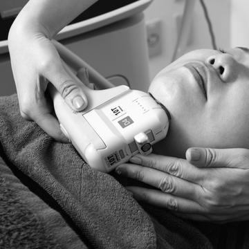 手強い二重あごにもOK!美容医療ダブロ&BNLSを体験【あごを取り戻す】