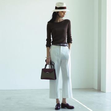 バッグは「きれいめ」、靴はフラットで「ハズす」 TOKYOベーシックスタイル
