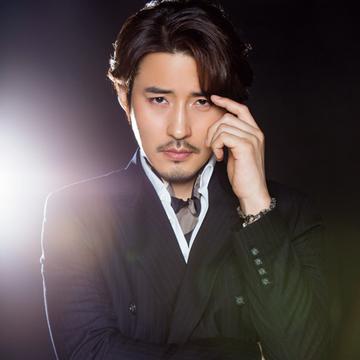 キム・ジュンヒョンさんが語る「今、舞台に立って感じること」【韓国ミュージカルのまぶしい男たち】