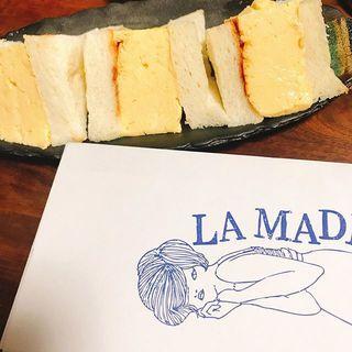 手土産や差し入れにもぴったり!神楽坂「マドラグ」の分厚~い卵サンド