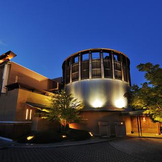 八種十三通りの湯浴みと信州ワインを楽しむ温泉宿「星野リゾート 界 松本」