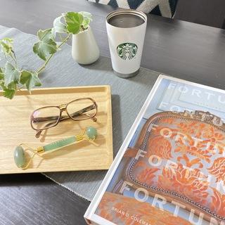 まったり時間で愛用中の美容ジェイドローラーとメガネと、柿葉茶