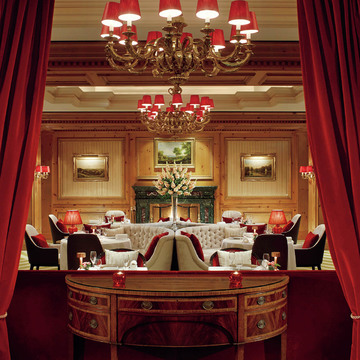 3.レストランとバー3軒がよりモダンで華やかにリニューアル