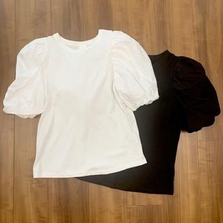 H&Mで、思わず2色買いしたTシャツ(各999円)