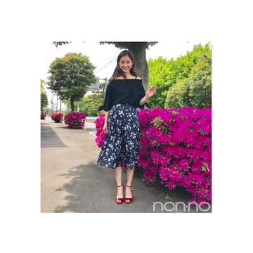 毎日コーデ★優子が着こなす花柄ネイビーガウチョの大人っぽワントーンコーデ