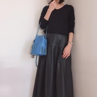 甘派にも挑戦しやすレザースカートって?【momoko_fashion】