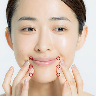 1日1回を習慣に。小田切ヒロの「小顔を作るマッサージ」