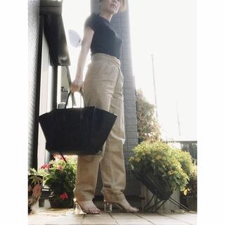 リアル通勤コーデ。黒が着たい火曜日。夏のブラックはベージュに合わせる!