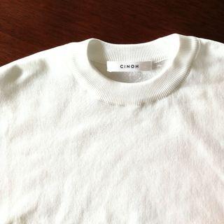 Tシャツ以上!オフィス対応もできる白トップスは活躍間違いなし!_1_2-2
