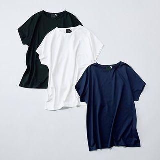 人気スタイリスト村山佳世子×ATON(エイトン)『大人が素敵に見えるTシャツ』