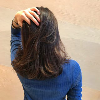 ポイントは「艶」!12月のヘアメンテナンス