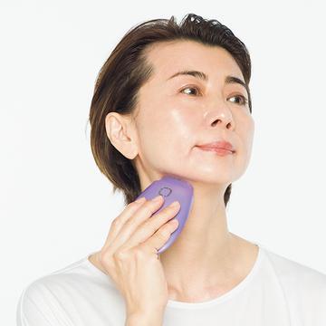 顔の引き締め効果を実感!「NEWAリフト」使いこなしテクを美容のプロが伝授