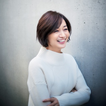 富岡佳子が見せる「冬の普段着」、おしゃれを磨く着こなしのヒント 五選