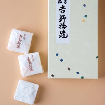 キラリと光るプチギフト①年始にぴったり! 日本の伝統菓子