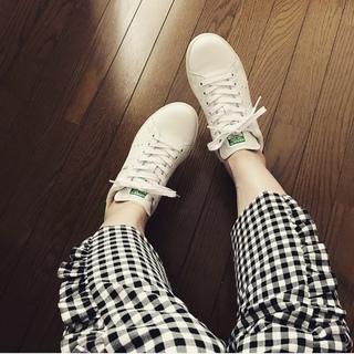 旅靴はガシガシ歩ける超定番。adidasの「STAN SMITH」に決定!