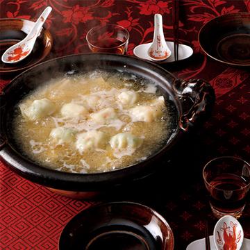 プリプリえびとれんこんの食感が楽しい! エビ餃子鍋【絶品鍋レシピ28days】