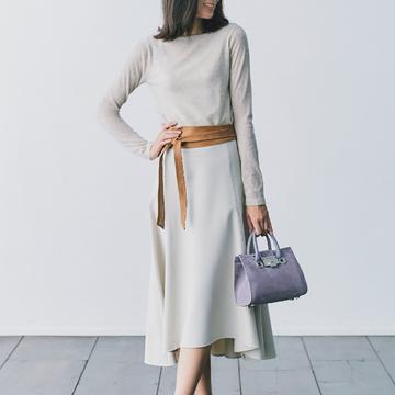 1. 柔らかな質感と色でつくる上級ワントーンな着こなし