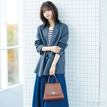 西野七瀬はかっちりジャケットをデニムスカートでこなれアレンジ【毎日コーデ】