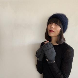 冬の手元をエレガントに防寒するエルメスのカシミヤ手袋