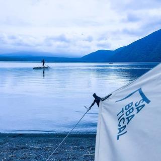 湖畔キャンプで大自然に癒される