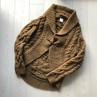 「一生もの」と大切に着ている手編みシリーズ。